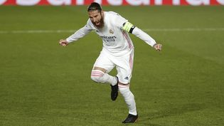 Sergio Ramos contre l'Atalanta Bergame, le 16 mars 2021. (BURAK AKBULUT / ANADOLU AGENCY / AFP)