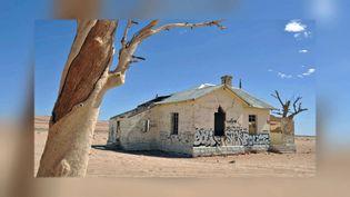La Garub station, un bâtiment historique en Namibie a été couvert de graffiti (France Télévisions)