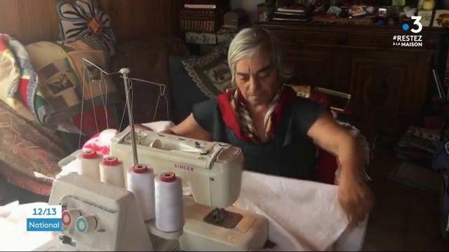 Haute-Savoie : des couturières confectionnent des blouses pour les hôpitaux