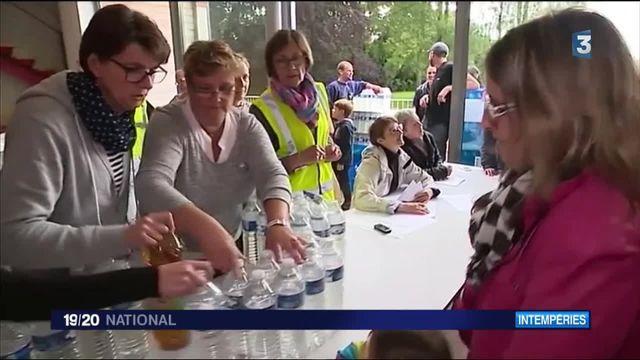 Inondations : privés d'eau potable, les habitants de Fay-aux-Loges se montrent solidaires