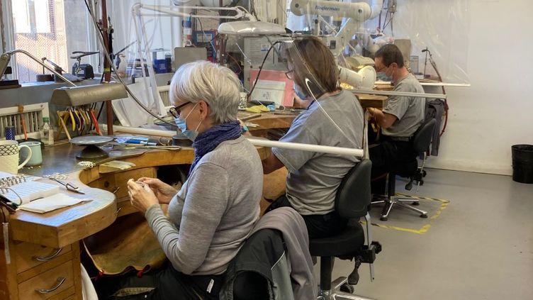Dans l'atelier joaillerie de la Monnaie de Paris (INGRID POHU / RADIO FRANCE)