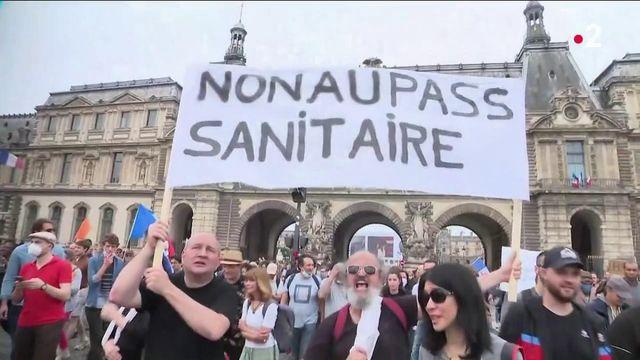 Pass sanitaire : la radicalisation du mouvement anti-pass inquiète