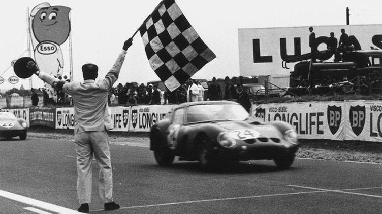 La Ferrari 250 de Bandini et Scarfiotti remporte Le Mans 1963 (AFP)