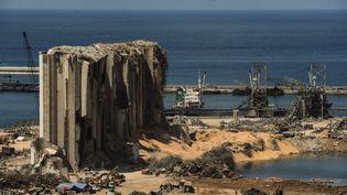 Un bâtiment décimé par la double explosion au port de Beyrouth au Liban, le 4 août 2020. (ELIZABETH FITT / MAXPPP)