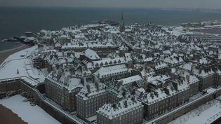 Saint-Malo sous la neige, mercredi 10 février. (CAPTURE ECRAN FRANCE 2)