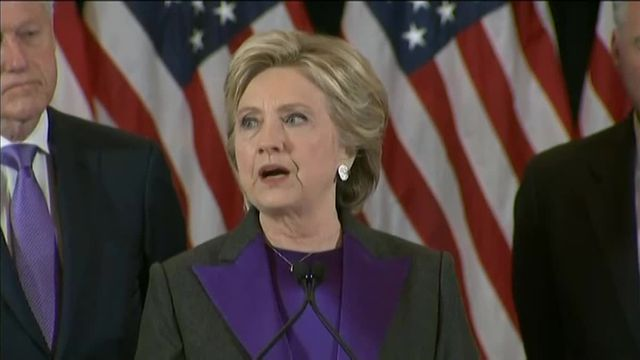 """Hillary Clinton à Trump : """"J'espère qu'il va réussir en tant que président de tous les Américains"""""""