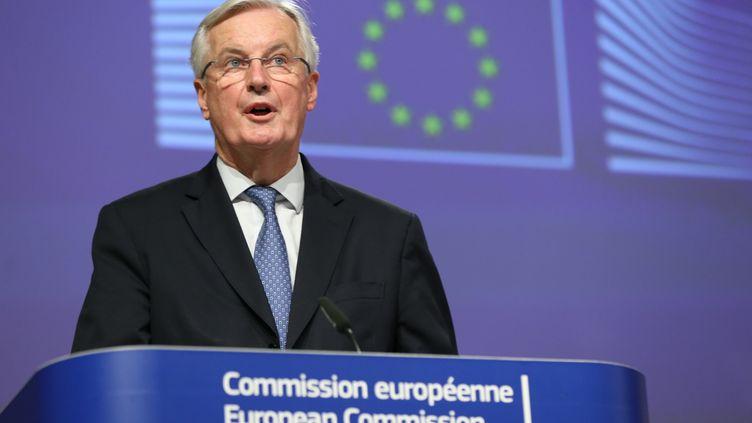 Michel Barnier, négociateur en chef de l'Union européenne pourl'accord commercial avec le Royaume-Uni, lors d'une conférence de presse à Bruxelles (Belgique) le 24 décembre 2020. (DURSUN AYDEMIR / ANADOLU AGENCY)