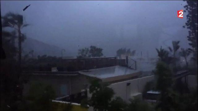 Hong Kong : la ville à l'arrêt après le passage du typhon Nida
