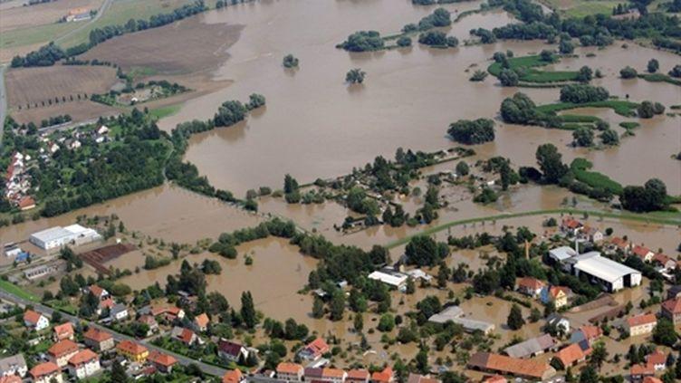 Vue aérienne des inondations de la Neisse dans la région d'Ostritz (est de l'Allemagne) (AFP - DPA - MATTHIAS HIEKEL)
