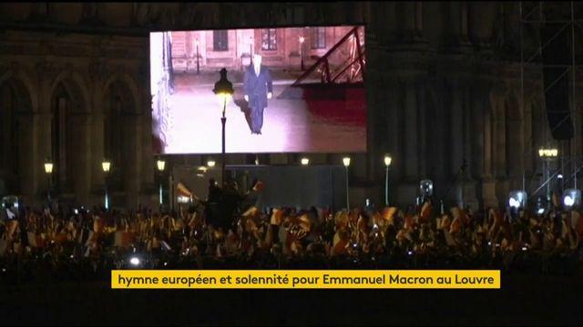 Drapeaux tricolores, hymne européen et solennité pour Emmanuel Macron au Louvre