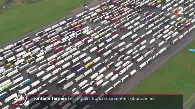 """VIDEO. """"On est bloqués comme du bétail"""" : les chauffeurs routiers en colère après la fermeture de la frontière entre la France et le Royaume-Uni"""