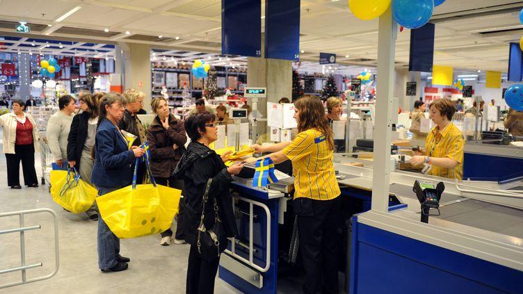 Le magasin Ikea de Fleury-sur-Orne (Calvados)le jour de son ouverture, en 2011. (MAXPPP)