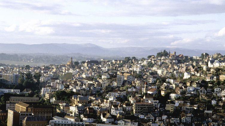 Vue générale d'Antananarivo, la capitale malgache, où le confinement a été décrété depuis le 23 mars 2020 et où vivent plus de 3 millions d'habitants (photo prise le 9 mars 2020). (AGLILEO COLLECTION / AGLILEO)