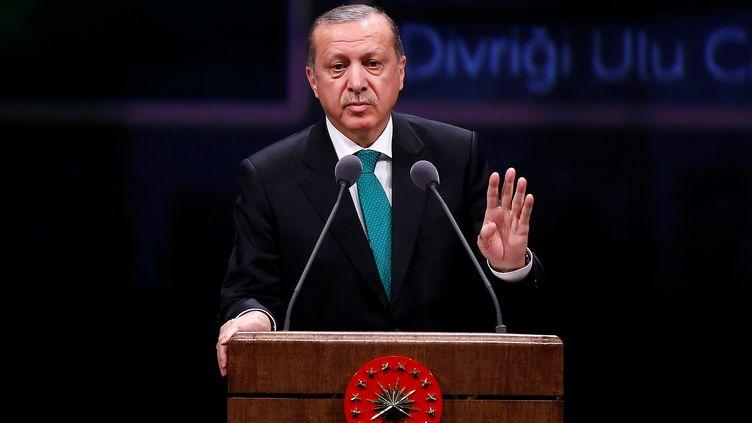 Recep Tayyip Erdogan, le président turc, prononce un discours à Ankara, le 14 mars 2017. (MEHMET ALI OZCAN / ANADOLU AGENCY)