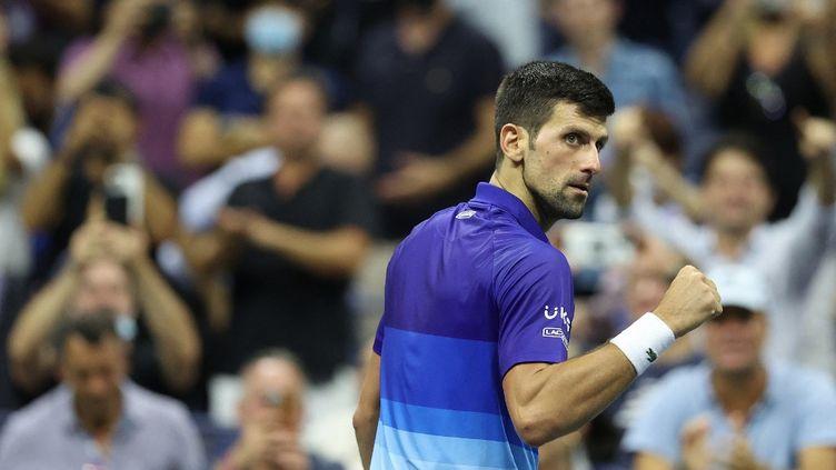 Novak Djokovic s'est qualifié pour les demi-finales de l'US Open, le 8 septembre 2021, à New York. (ELSA / GETTY IMAGES NORTH AMERICA)