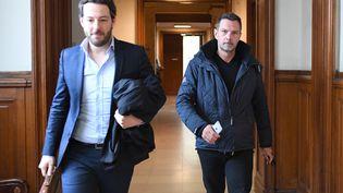 Jérôme Kerviel (à droite) et son avocat Julien Dami Le Coz, au Palais de justice de Paris, le 18 juin 2018. (ERIC FEFERBERG / AFP)