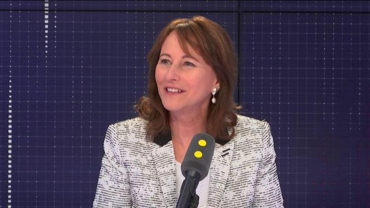 """L'ancienne ministre de l'Environnement, invitée du """"8h30 Fauvelle-Dély"""", vendredi 15 mars 2019. (FRANCEINFO / RADIOFRANCE)"""