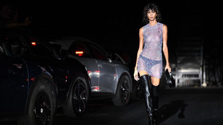 Coperni automne-hiver 2021-22 à la Paris Fashion Week, le 4 mars 2021 (ANNE-CHRISTINE POUJOULAT / AFP)