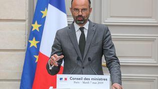 Edouard Philippe donne une conférence de presse à la sortie du Conseil de ministres, le 7 mai 2019 à Paris. (LUDOVIC MARIN / AFP)