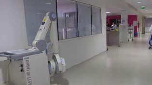 Coronavirus : l'hôpital de Montreuil, en Seine-Saint-Denis, est sous tension (France 2)