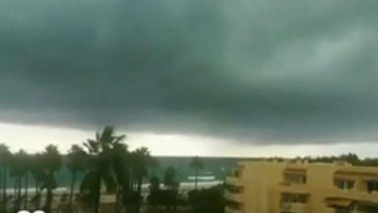 Les pluies diluviennes sont provoquées par le réchauffement climatique. (FRANCE 2)