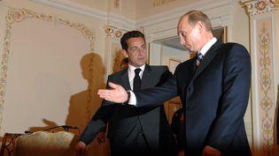 Vladimir Poutine et Nicolas Sarkozy à Moscou , le 9 octobre 2007 (WITT / SIPA)