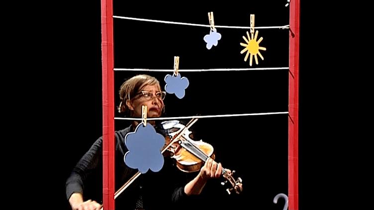 Sandrine Girard du théâtre des Marionnettes de Genêve participe à Ideklic de Moirans-en-Montagne  (France 3 / Culturebox)