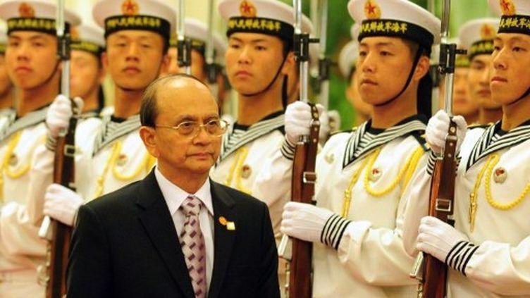 Depuis son élection, en mars, le président Thein sein veut prouver qu'il a décidé à engager de profondes réformes. (FREDERIC J. BROWN / AFP)