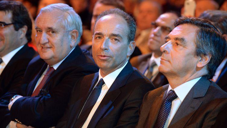Jean-François Copé, le président de l'UMP, et François Fillon, député de Paris, le 25 janvier 2014 à Paris. (PIERRE ANDRIEU / AFP)