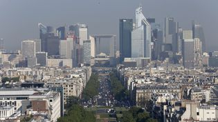 La France est la troisième destination des investissements étrangers en Europe, derrière le Royaume-Uni et l'Allemagne.  L'Île-de-France concentre un tiers des emplois dépendant d'un investisseur étranger à l'échelle de la France métropolitaine. (THOMAS COEX / AFP)