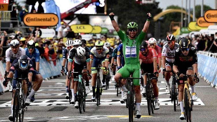 Le Britannique Mark Cavendish a remporté la 10e étape du Tour de France, mardi 6 juillet 2021. (PHILIPPE LOPEZ / AFP)