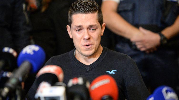 Jonathann Daval, le mari d'Alexia Daval, lors d'une conférence de presse à Gray-la-Ville (Haute-Saône), le 2 novembre 2017. (SEBASTIEN BOZON / AFP)