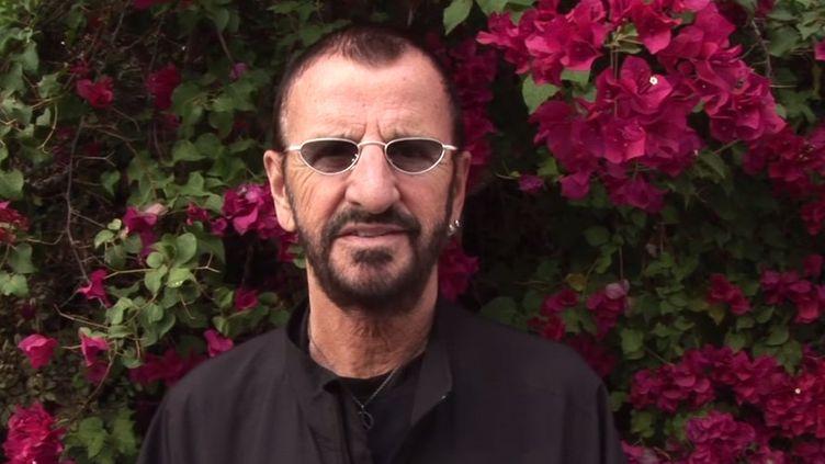 Ringo Starr dans un message vidéo à ses fans posté le 21 décembre 2014  (Capture image Youtube)