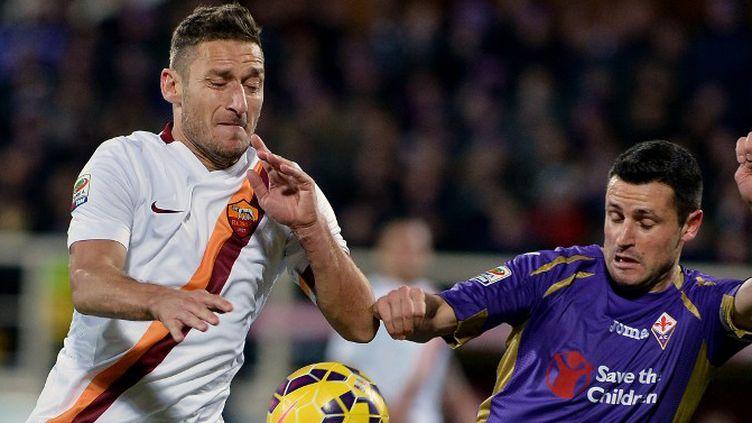 Francesco Totti n'a pas trouvé de solution face à la Fiorentina (TIZIANA FABI / AFP)