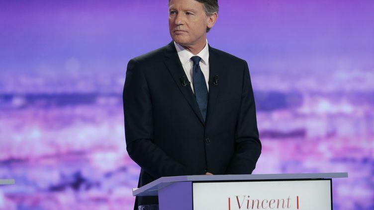 Vincent Peillon, candidat à la primaire de la gauche, lors du premier débat, le 12 janvier 2017. (PHILIPPE WOJAZER / AFP)
