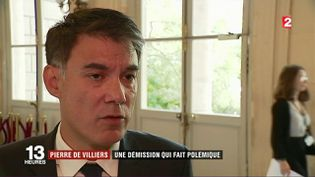 Pierre de Villiers : une démission qui fait polémique (FRANCE 2)