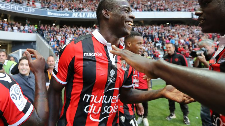 L'expérience de son attaquant Mario Balotelli sera utile à l'OGC Nice (VALERY HACHE / AFP)