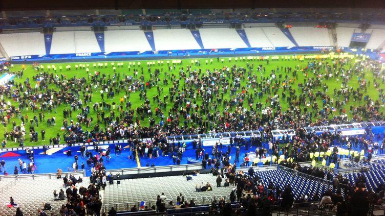 Le soir du 13 novembre 2015, trois explosions ont retenti aux abords du Stade de France, à Saint-Denis (Seine-Saint-Denis). (MATTHIEU ALEXANDRE / AFP)