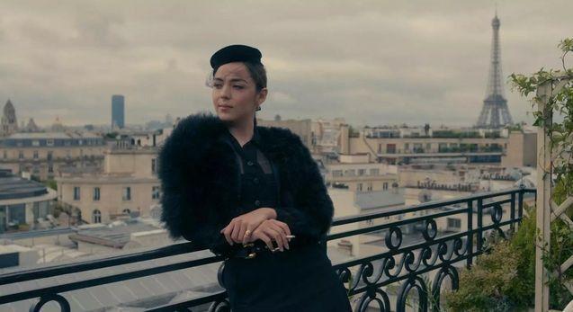 Garance Marillier interprète Sidonie, qui devient rapidement le bras-droit et la favorite de Madame Claude. (NETFLIX)