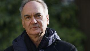 L'écrivain Hervé Le Tellier, en novembre 2020. (THOMAS SAMSON / AFP)