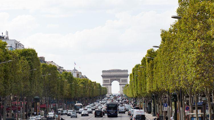 L'avenue des Champs-Elysées à Paris, le 31 août 2019. (EMERIC FOHLEN / NURPHOTO / AFP)