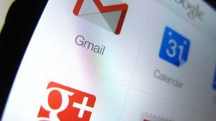 Applications Google, dont celle de son réseau social Google+, sur une iPhone 5 d'Apple. (MIKE BLAKE / REUTERS)