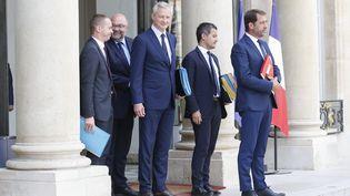 Plusieurs membres du gouvernement sortent du premier conseil des ministres, le 22 août 2018. (LEON TANGUY / MAXPPP)