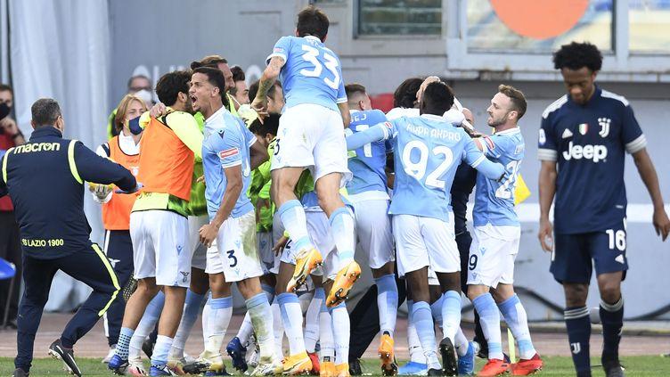 Cuadrado dépité après l'égalisation dans les dernières secondes de la Lazio (CLAUDIO PASQUAZI / ANADOLU AGENCY)