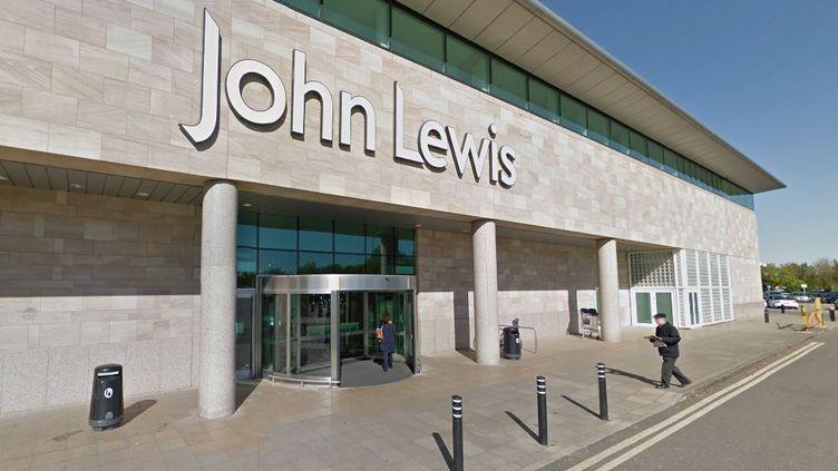 L'entrée du magasin John Lewis de Cheadle (Royaume-Uni), en avril 2015. (GOOGLE STREET VIEW / FRANCETV INFO)