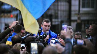 L'ex-champion de boxe Vitali Klitschko, l'un de chef de file du mouvement pro-européen en Ukraine, le 26 mars 2014 à Londres (Grande-Bretagne). (CARL COURT / AFP)
