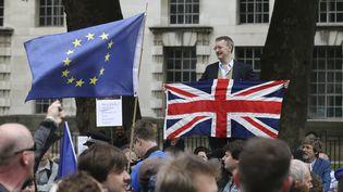 Des manifestants pour et contre le Brexit à Londres (Royaume-Uni), le 3 septembre 2016. (JUSTIN TALLIS / AFP)