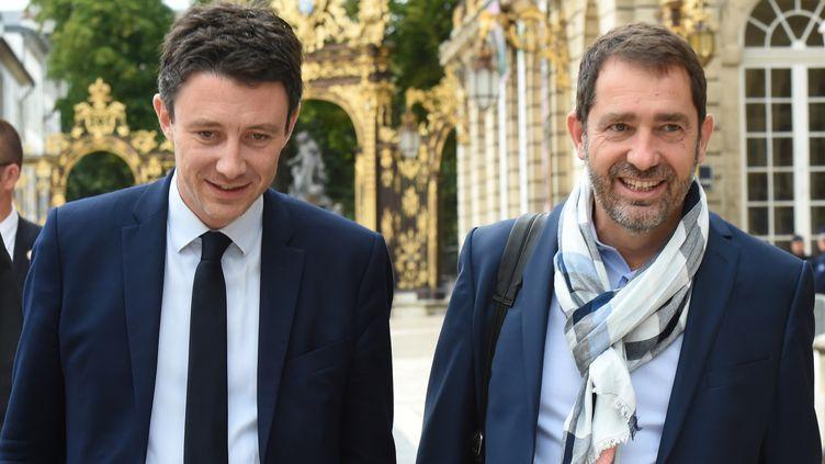 Benjamin Griveaux etChristophe Castaner, le 1er juillet 2017, à Nancy (Meurthe-et-Moselle). (FRANCOIS LO PRESTI / AFP)