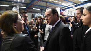 François Hollande lors d'une visite à l'usine Petit Bateau à Troyes, le 6 avril 2017 (BERTRAND GUAY / AFP)