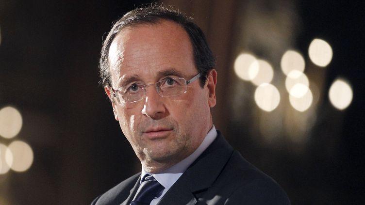 François Hollande, candidat PS à la présidentielle, prononce un discours à Paris le 29 novembre 2011. (PATRICK KOVARIK / AFP)
